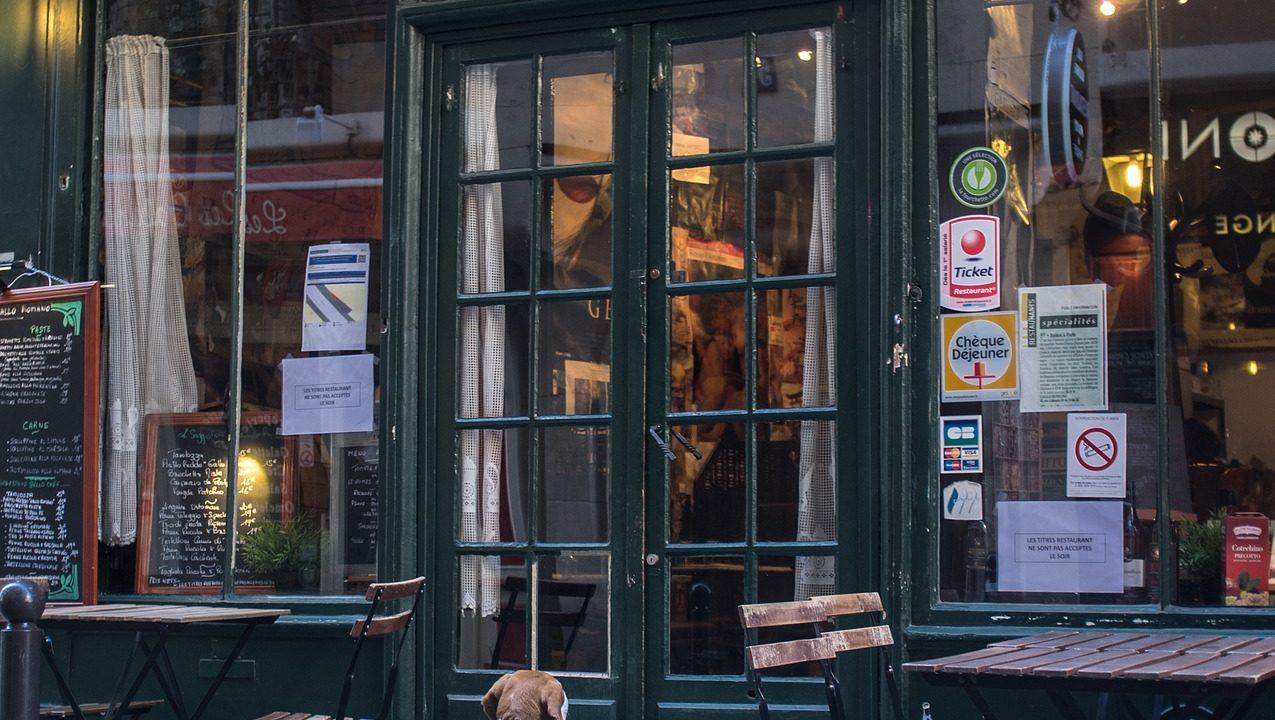 https://www.riccardilex.com/wp-content/uploads/2019/10/french-restaurant-2506490_1920-1275x720.jpg
