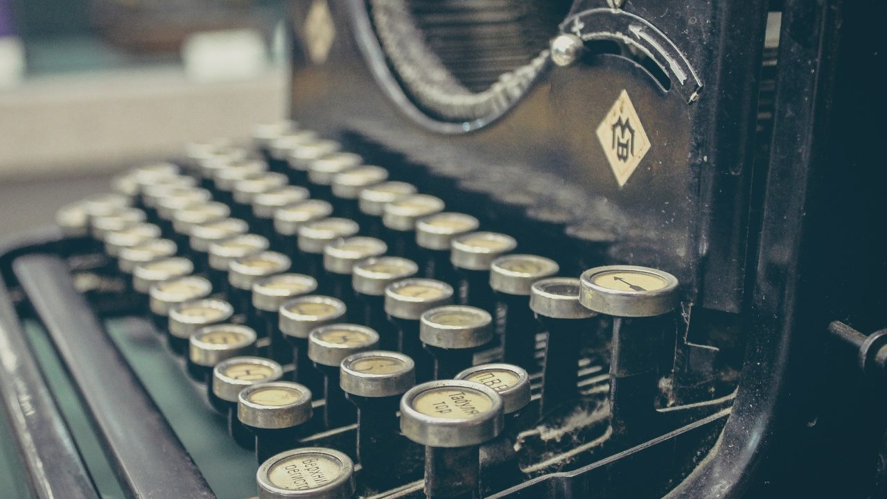 https://www.riccardilex.com/wp-content/uploads/2020/06/typewriter-407695_1920-1280x720.jpg